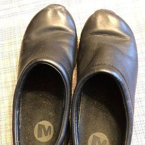 Merrill Black Clogs Womans